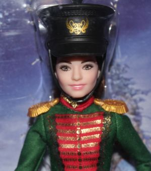 11 Voll original Mattel? Absolut, Clara aus der Nussknacker
